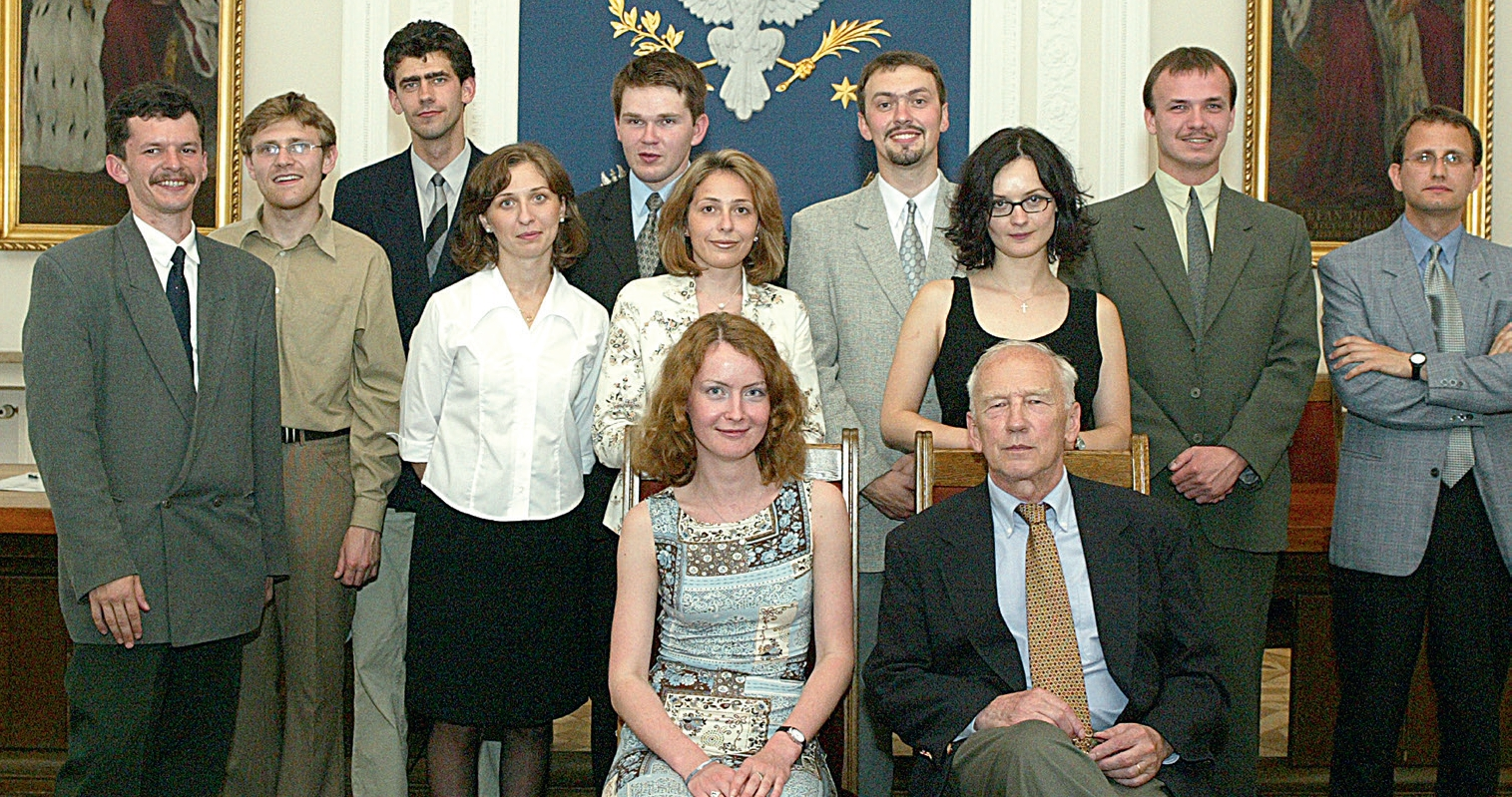 "First foreign students of ""Eastern Studies"" with prof. Tadeusz Świętochowski, 2001"